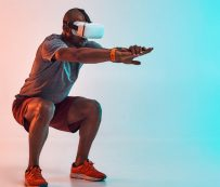 Desnudo y sin miedo a hacer ejercicio en realidad virtual