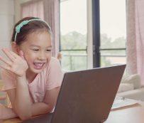Plataformas de cuidado de niños solo virtuales: Care.com