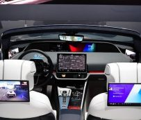 Cabinas de vehículos futuristas: Samsung Digital Cockpit 2020