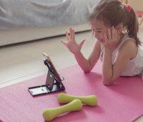 Asociaciones de niñeras virtuales voluntarias: Atención virtual 1